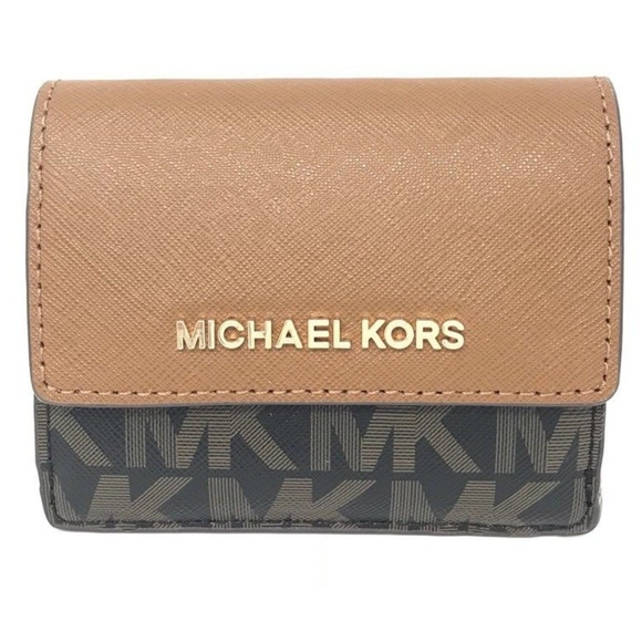 15fd1c490a2e Michael Kors Jet Set Travel Credit Card Case ID